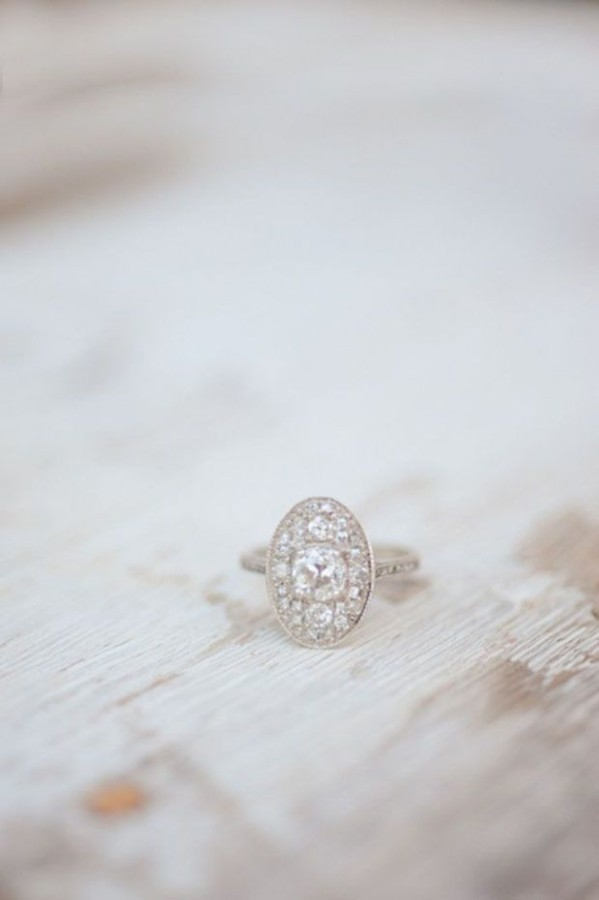 http://www.wantthatwedding.co.uk/2014/07/28/40-seriously-swoonsome-engagement-rings-you-secretly-want/