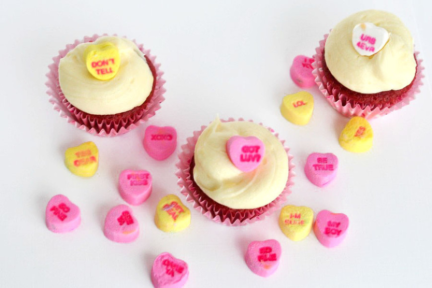 Conversation-Heart-Cupcakes-900x600
