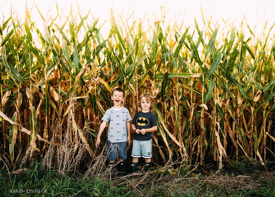 Boys cornfield stand web