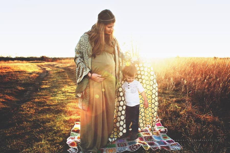 maternity pictures, daily fan favorite