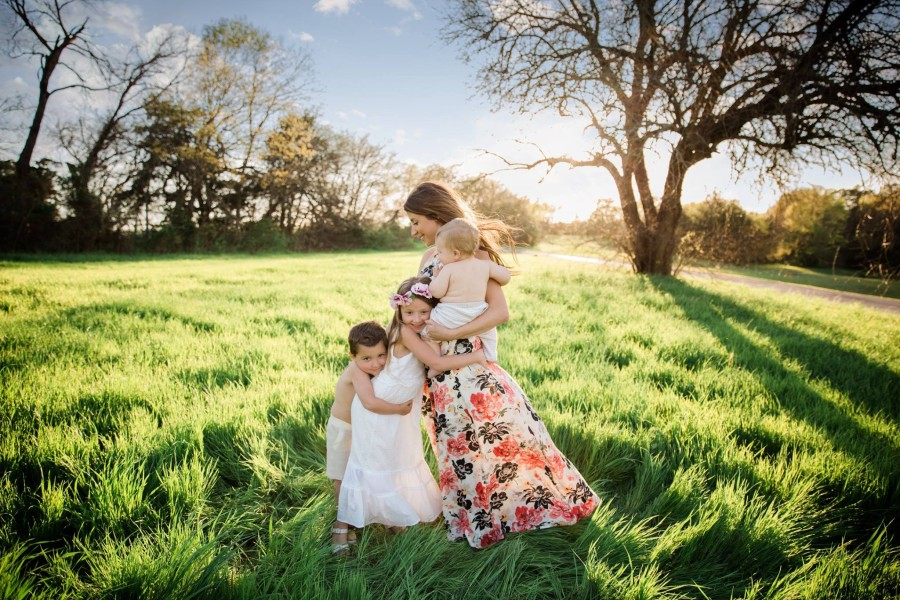 mother and kid pictures, daily fan favorite