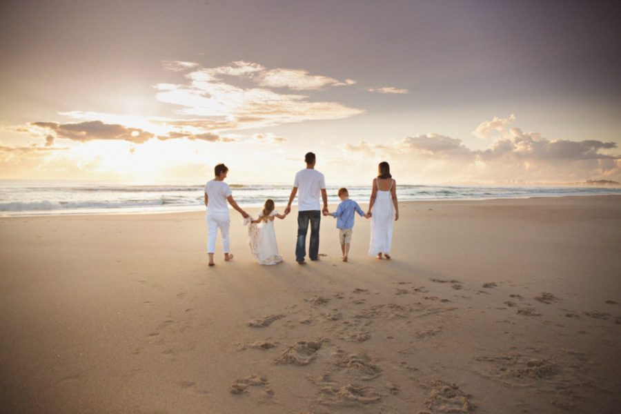 Sunrise Family Session on Currumbin Beach, family session, beach family pictures, what to wear for family pictures