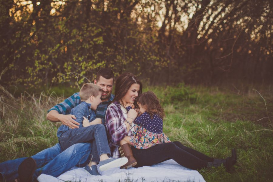 Rustic Spring Family Session, what to wear for family pictures, family poses