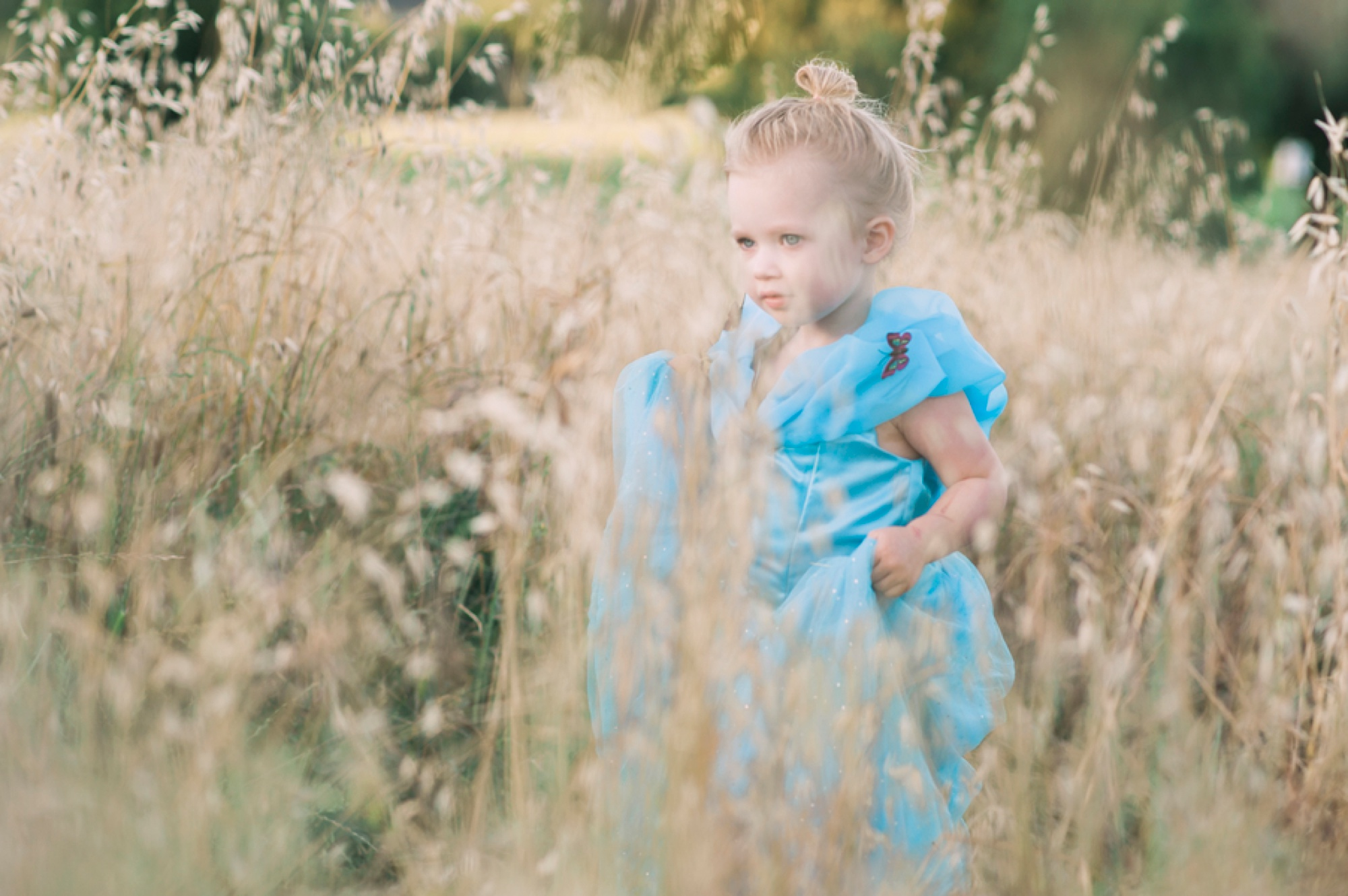 Whimsical Three Year Old Birthday Shoot , birthday picture ideas