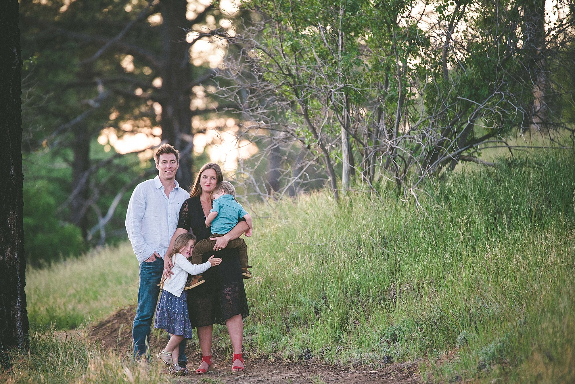 Hillside Adventure in California, family pictures, what to wear for family pictures