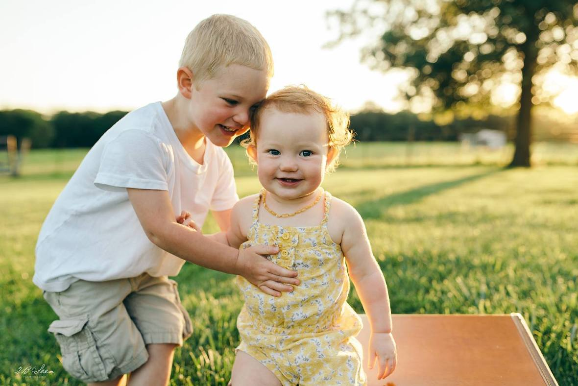 brother and sister pictures, the daily story