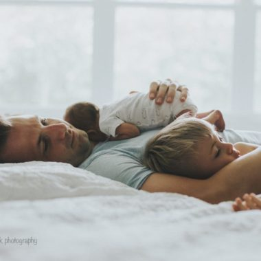 lifestyle newborn pictures, daily fan favorite
