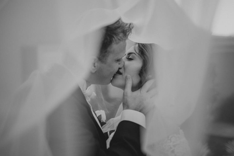 bride and groom picture ideas, daily fan favorite