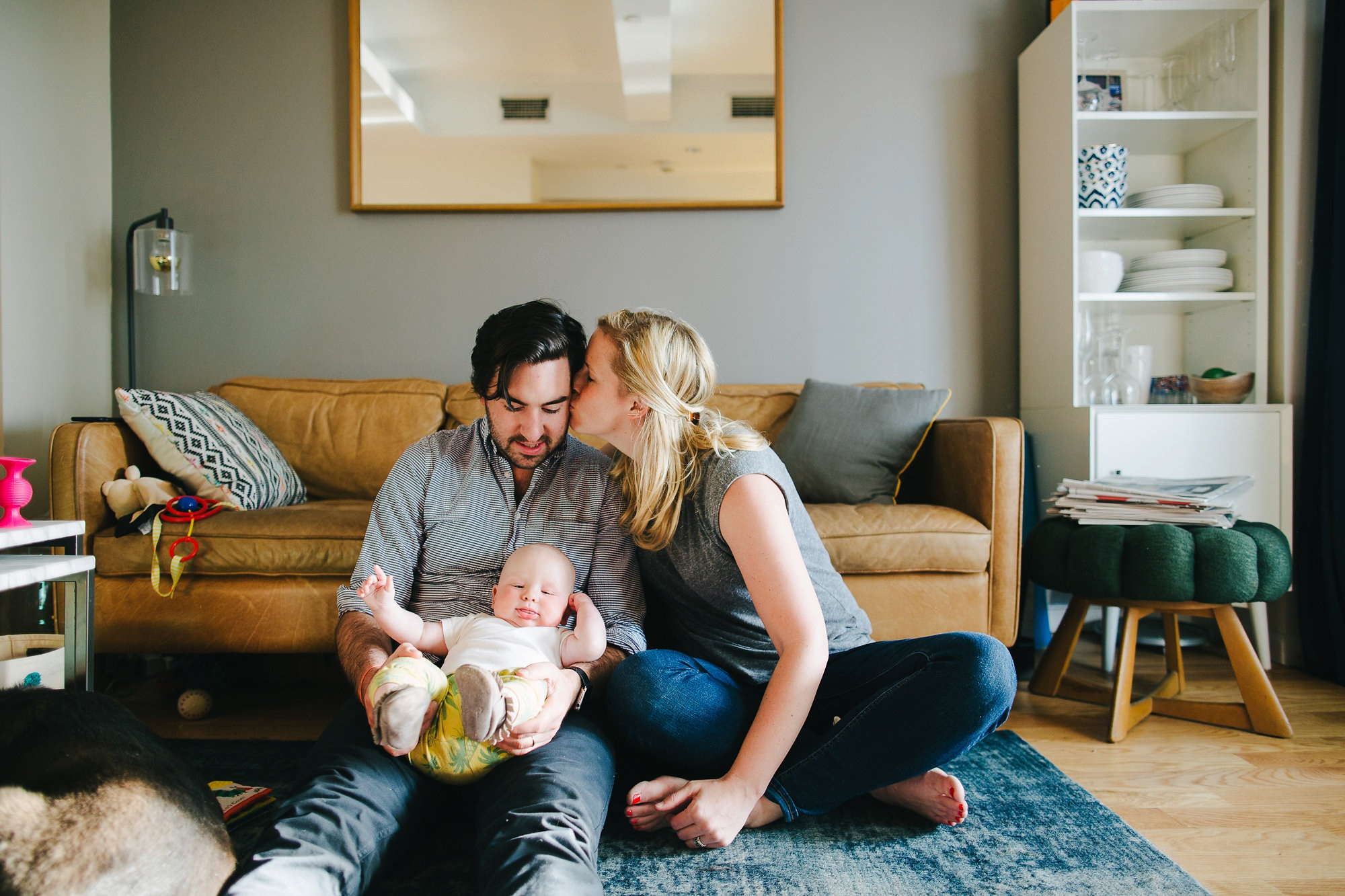 Urban New York Family Lifestyle Session, lifestyle picture ideas, what to wear for lifestyle pictures