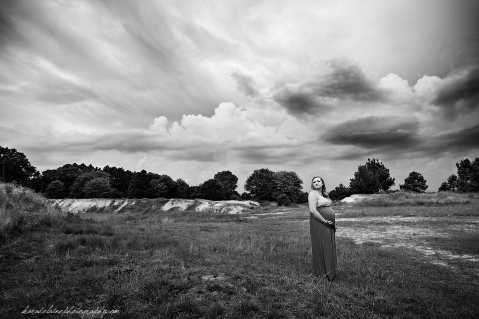 black and white maternity pictures, the daily story