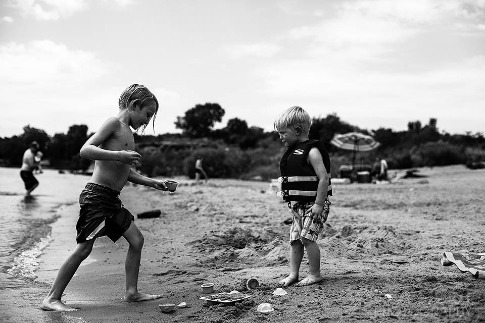 black and white storytelling pictures, the daily story