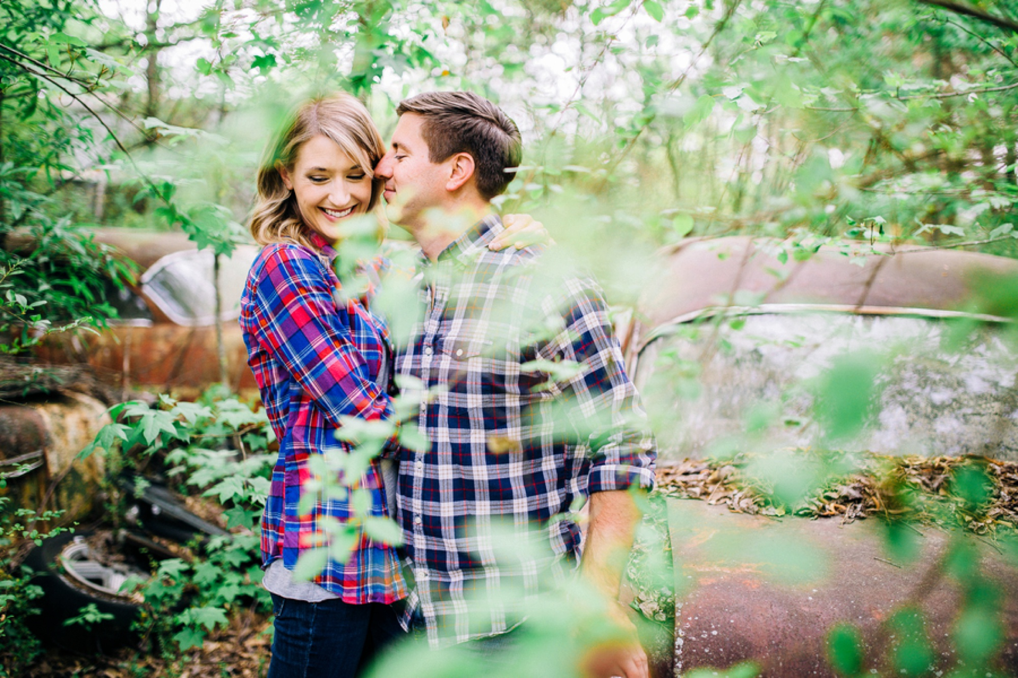 couple picture ideas, styled engagment picture ideas, Vintage Junkyard Couple Session