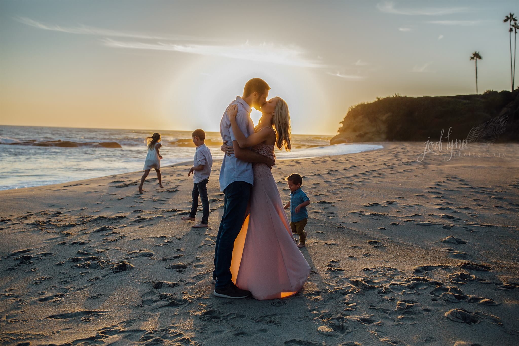 family of 5 picture ideas, beach family pictures, daily fan favorite