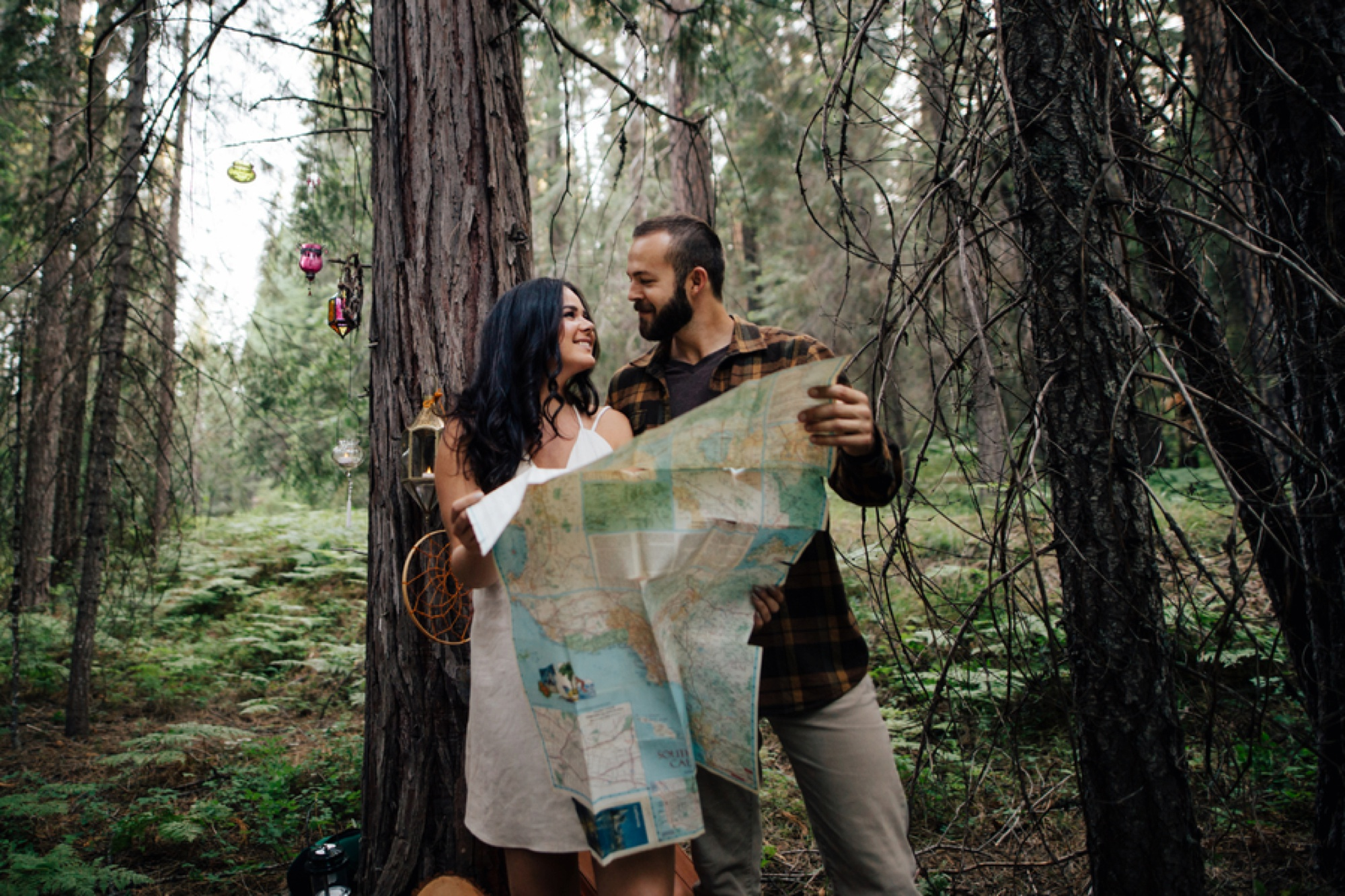 engagement picture ideas, what to wear for engagement pictures, engagement sessions with dogs, styled engagement shoots, Cozy Camping Engagement Session