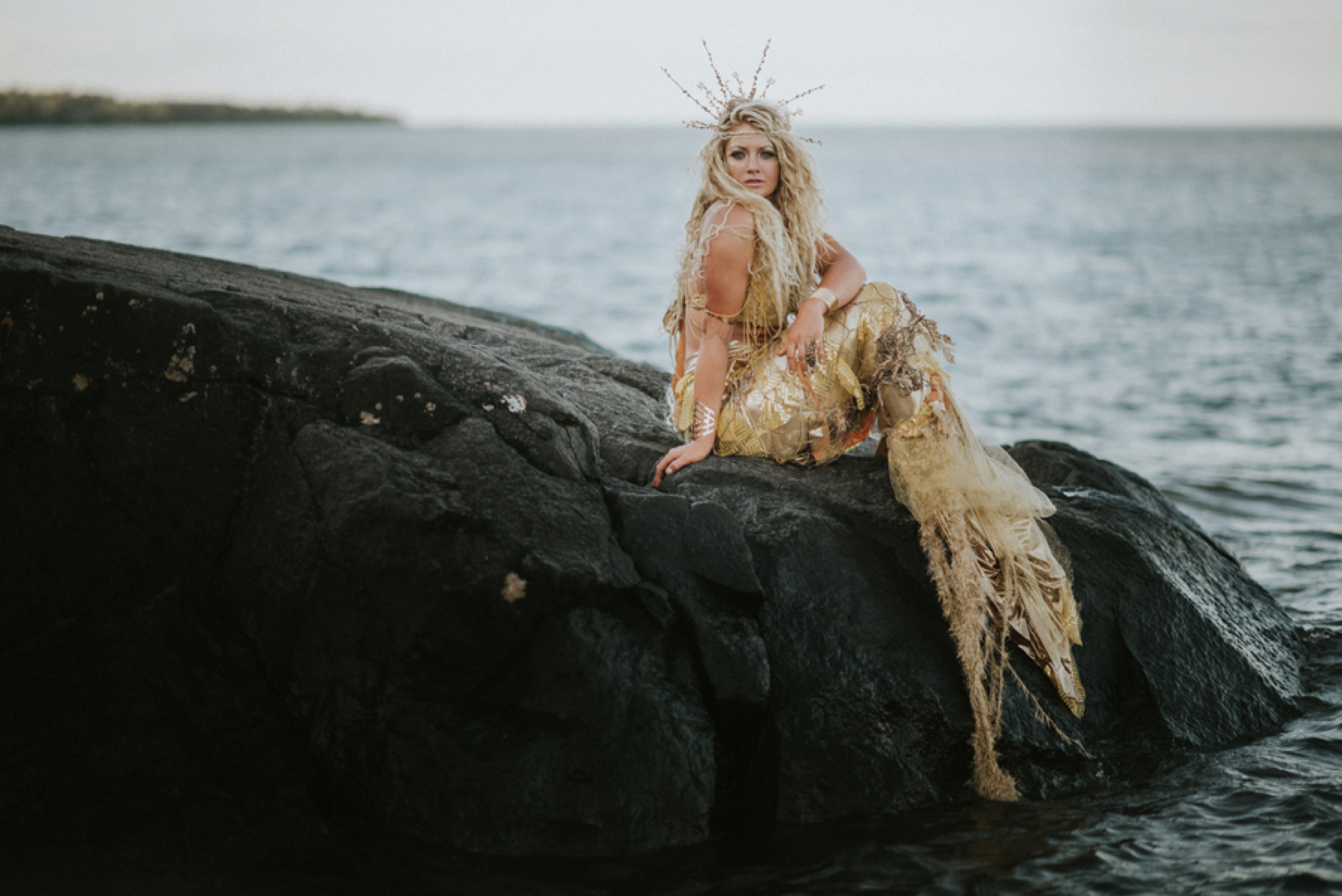 mermaid pictures, styled pictures, Sunrise Golden Mermaid Session