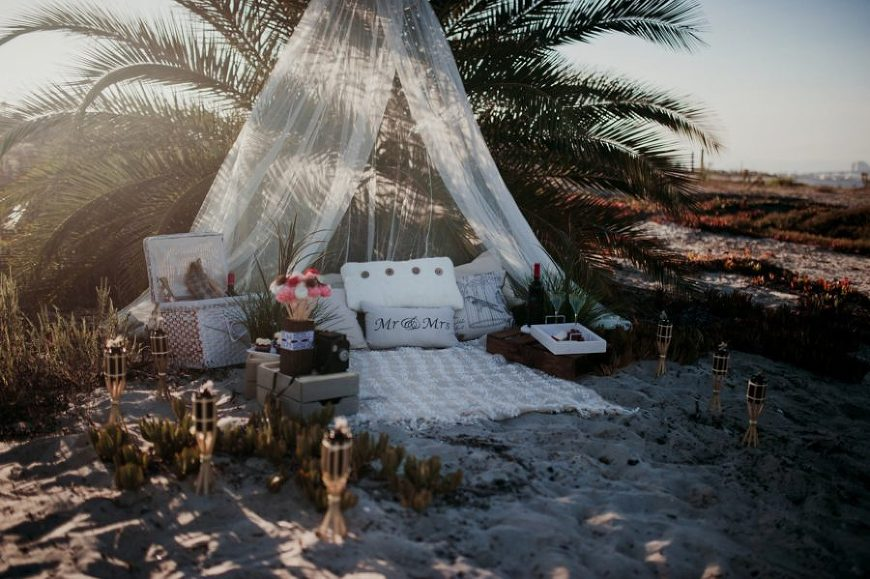 styled picture ideas, couple picture ideas, Romantic Beach Couple Session