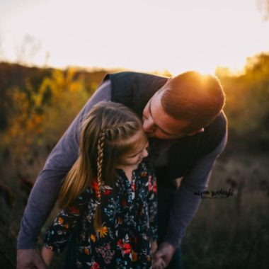 father and daughter poses, the daily story