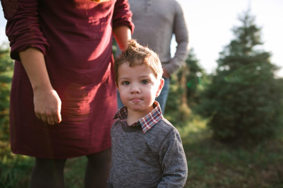 family christmas tree farm picture ideas, family pictures, Nebraska Tree Farm Family Session