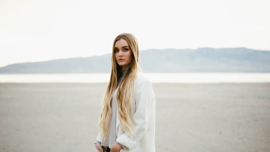 women portraits, fashion, Utah Desert Portrait