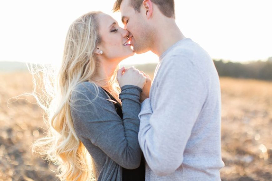 engagement picture ideas, Golden Sunset Engagement