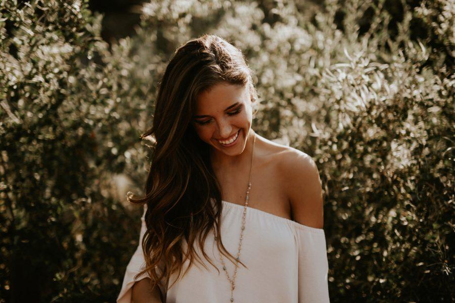 girl smiling, Garden of the Gods Senior Pictures in Colorado