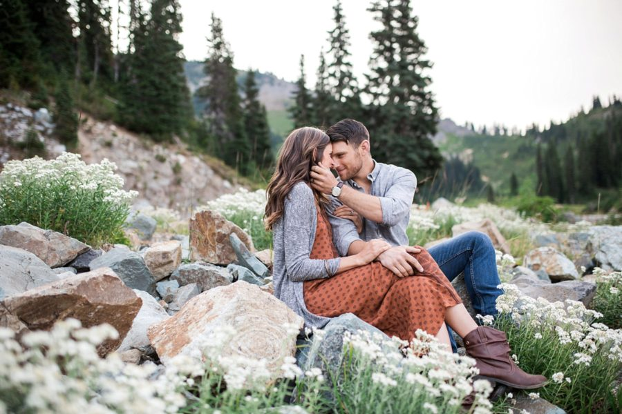 intimate couple poses, Adventurous Wilderness Anniversary Pictures in Washington