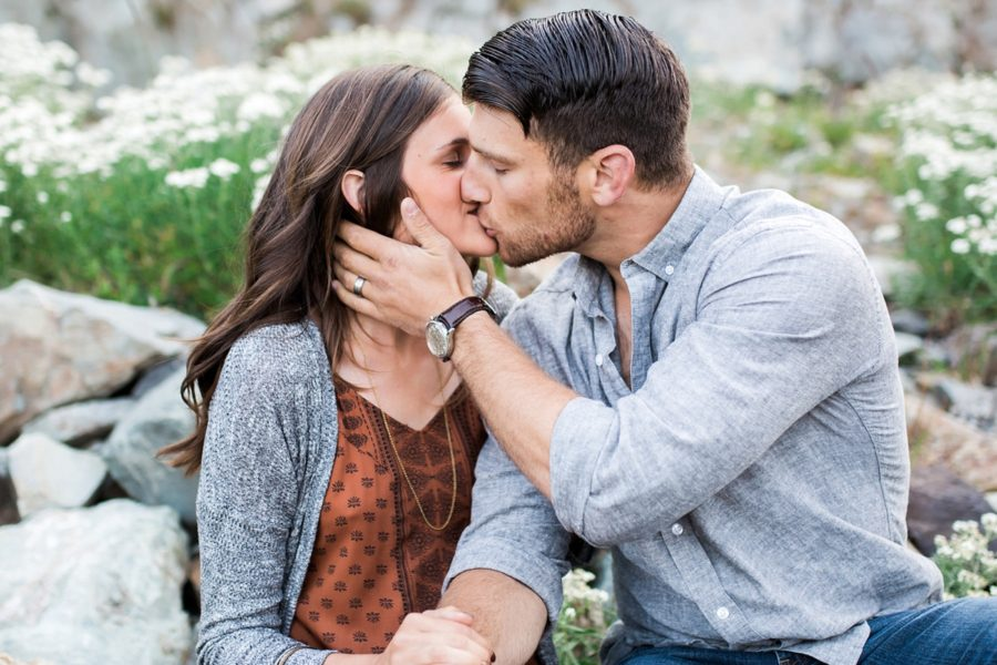 couple kissing, intimate couple poses, Adventurous Wilderness Anniversary Pictures in Washington
