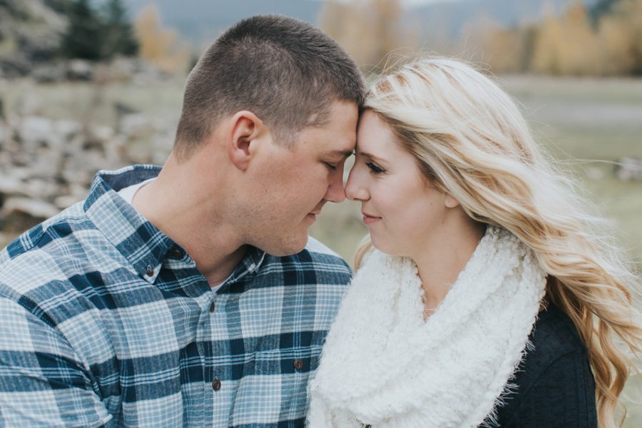 intimate engagement pictures, Romantic Columbia Gorge Engagement Pictures in Oregon