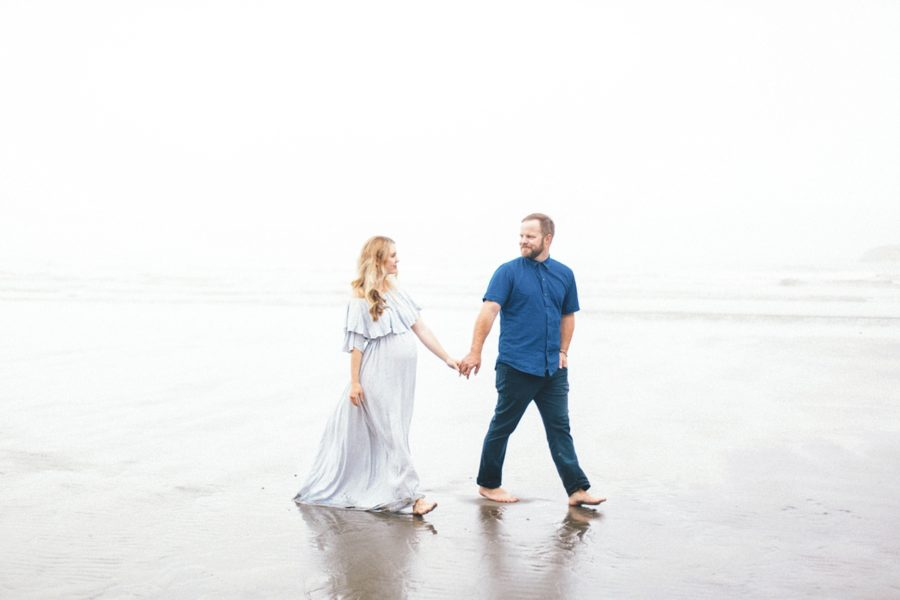 couple beach maternity pictures, Ruby Beach Intimate Maternity Pictures in Washington