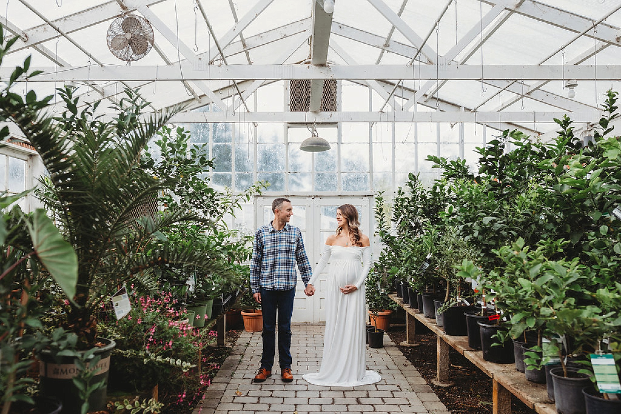 Organic Greenhouse Maternity Pictures in Washington » Beyond The Wanderlust 62922f8e42
