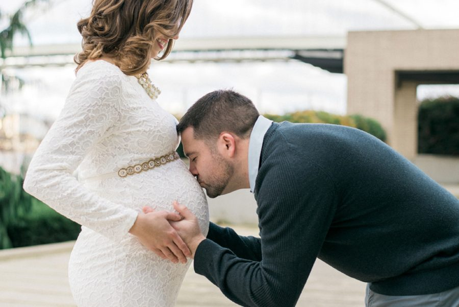 Father kissing belly, Classic Portland Maternity Photos