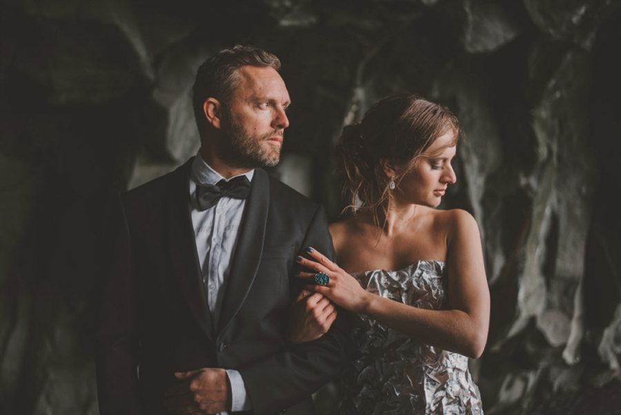 styled couple, wedding portraits on beach, Styled Elopement Pictures in Iceland