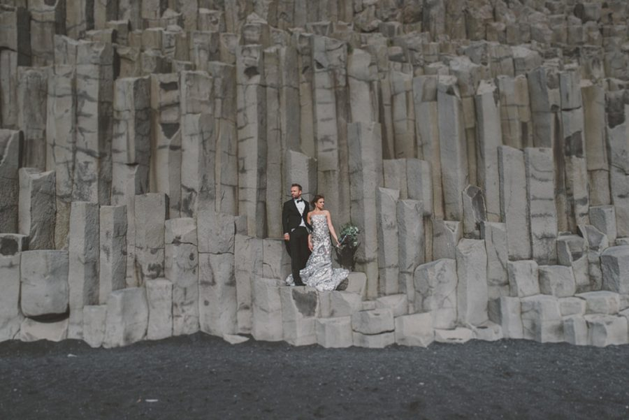 jagged rocks on black beach, wedding portrait on rocks, Styled Elopement Pictures in Iceland