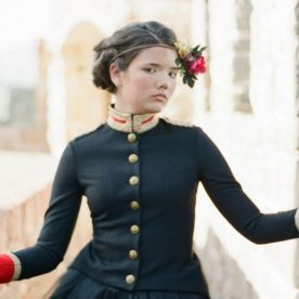 The Red Queen: Stylized Teen Photo Shoot in California
