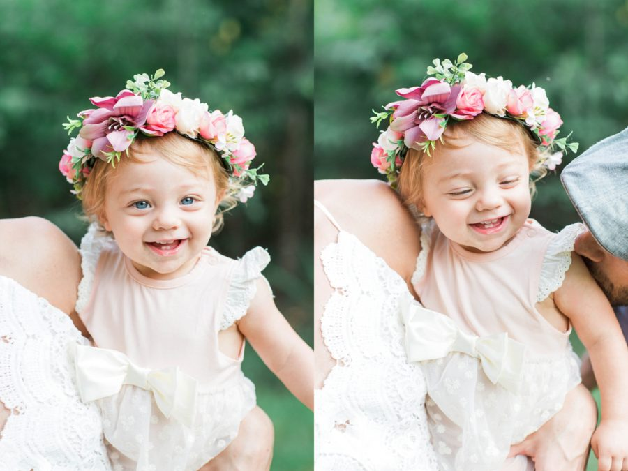baby on moms hip, baby smiling in moms arms, Missouri Family Pictures with Flower Crowns