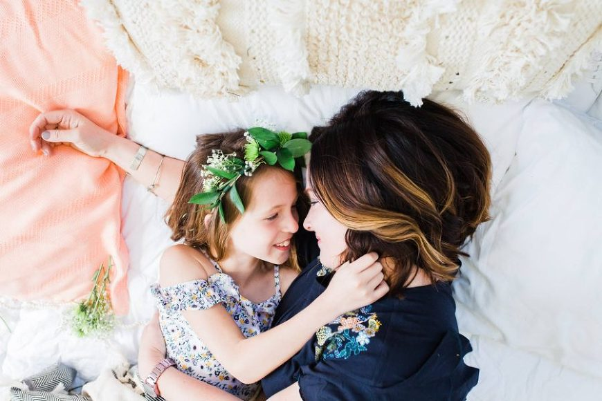 mother daughter pictures - family poses - motherhood