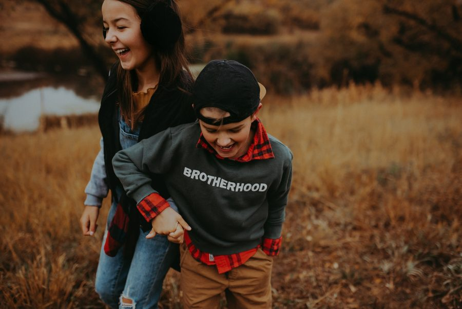 sibling pictures, fall family pictures, kid style