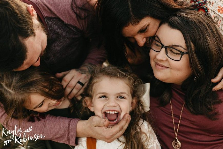 family of 5 pictures, fall family pictures, poses for family of 5