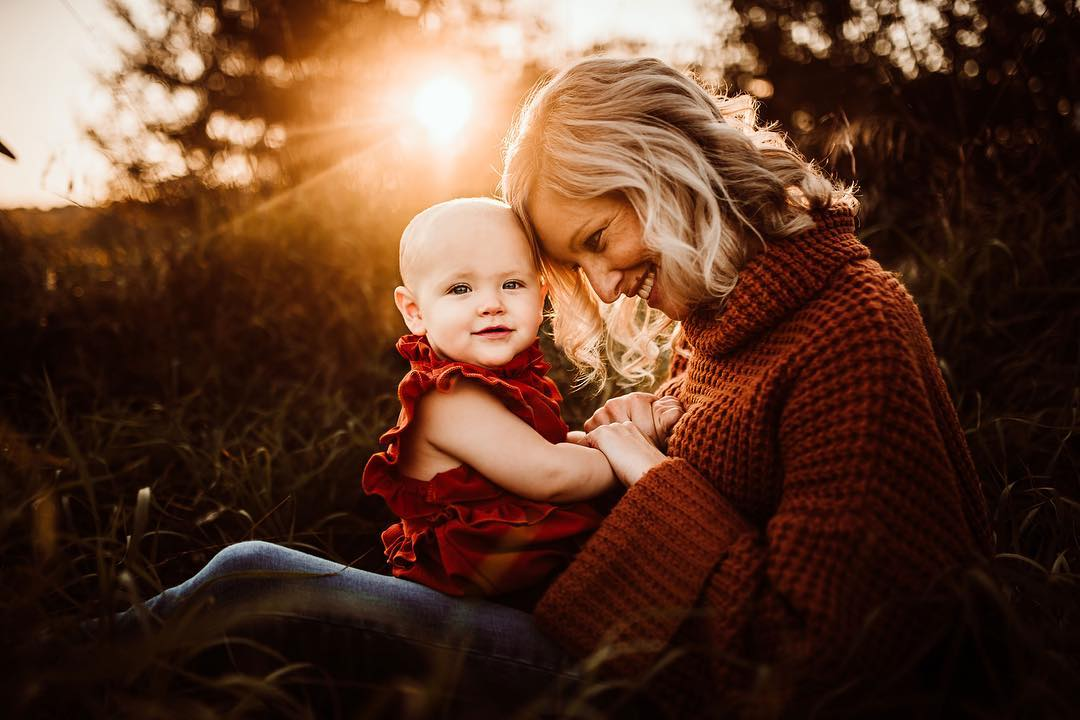 Mother and daughter pictures, family portraits, family poses, fall family style